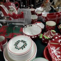 tableSettingHolidaySqrR