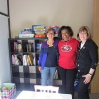 foster-kids-library-volunteer