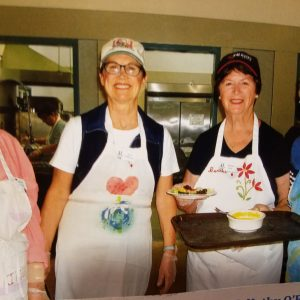 senior-care-lunch-volunteers