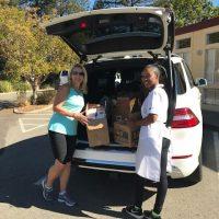 food-pantry-delivery-volunteer-2