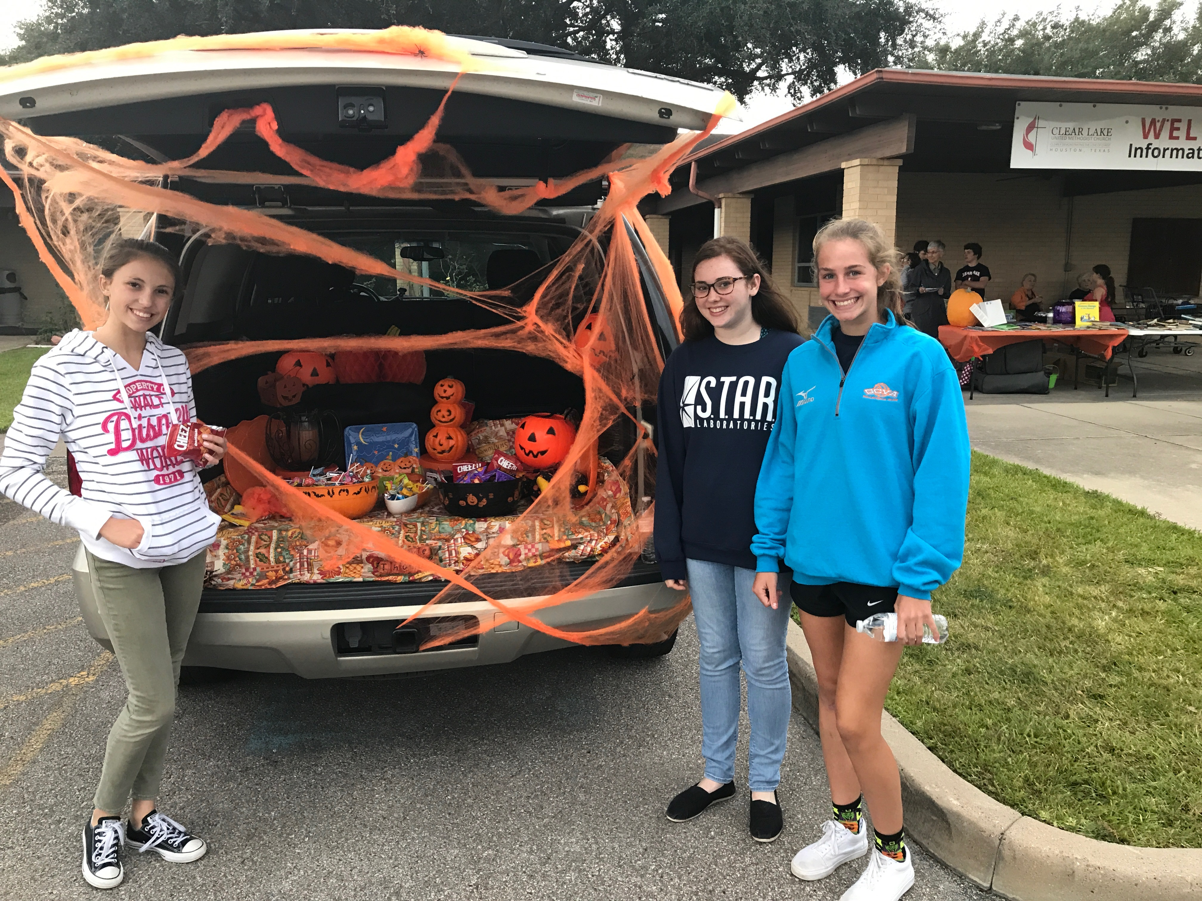 Assisteens-Trunk-or-Treat