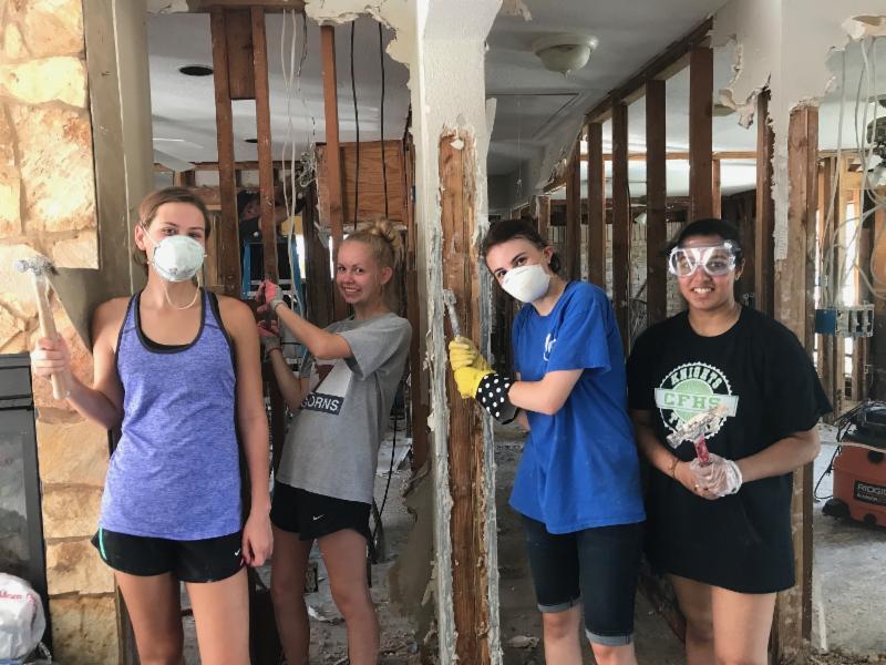 Assisteens-Help-with-Hurricane-Harvey