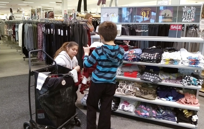 Students shopping at Teen Retail event