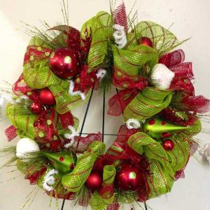 DIY-Christmas-Wreath-33