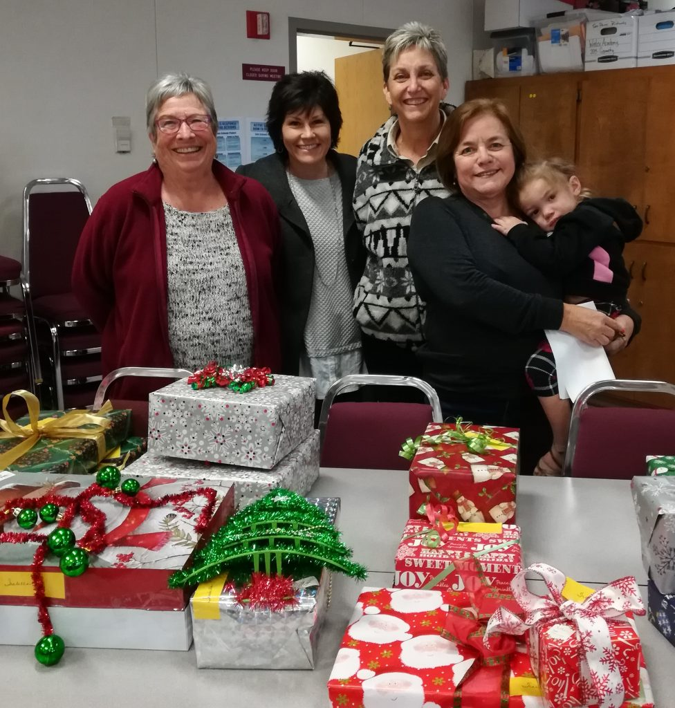 Christmas is brighter for 13 families | Assistance League – Visalia