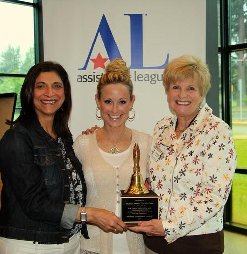 Jennifer Rubens (center), from the Rubens Family Foundation, accepting the Award from OSB Co-Chairs Barbara Glick (on the right) and Mahrukh Motafram (on the left).