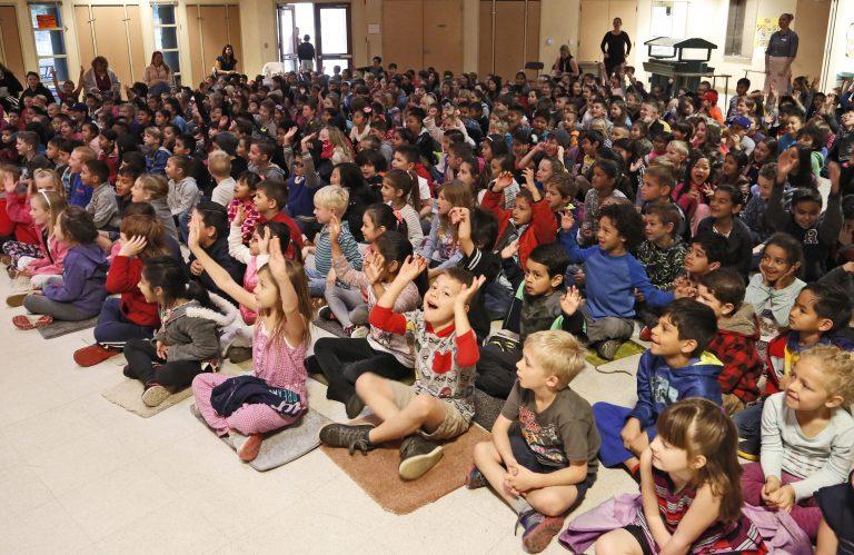 santa clarita awards arts grants to elementary schools